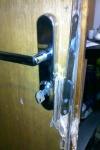 vypáčené dveře
